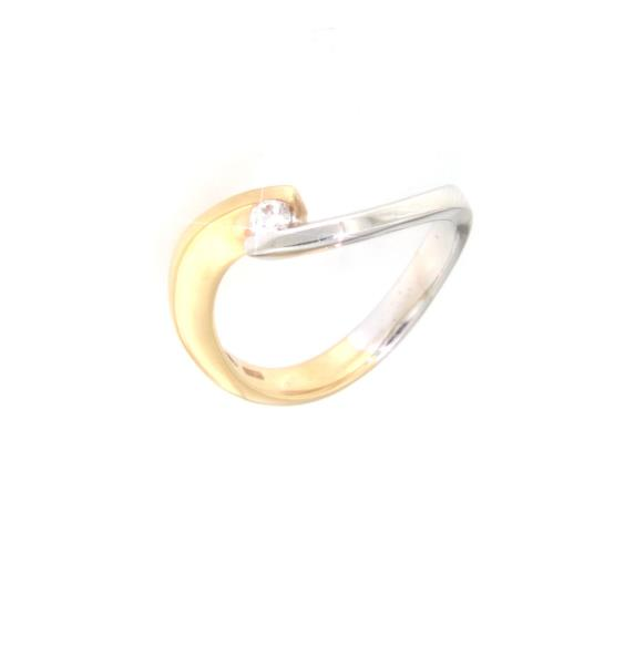 Anello solitario  due ori 750/1000 con 0.08 ct di diamanti colore h purezza si  mis 13